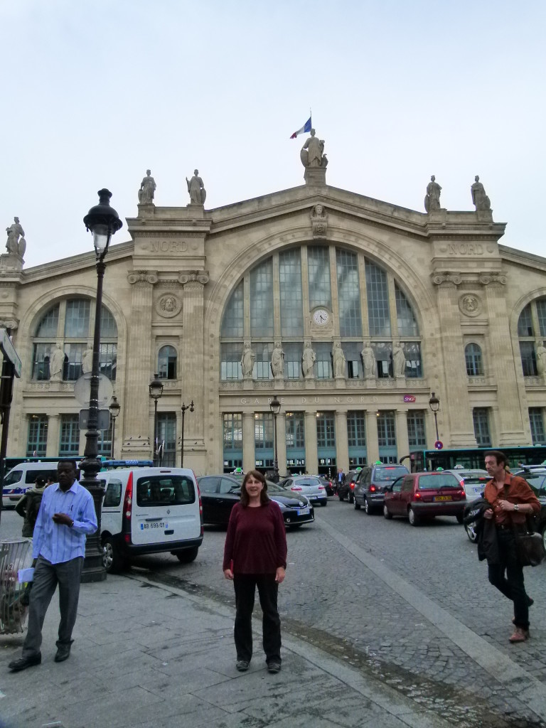 Lori outside of the Garde du Nord railway station.