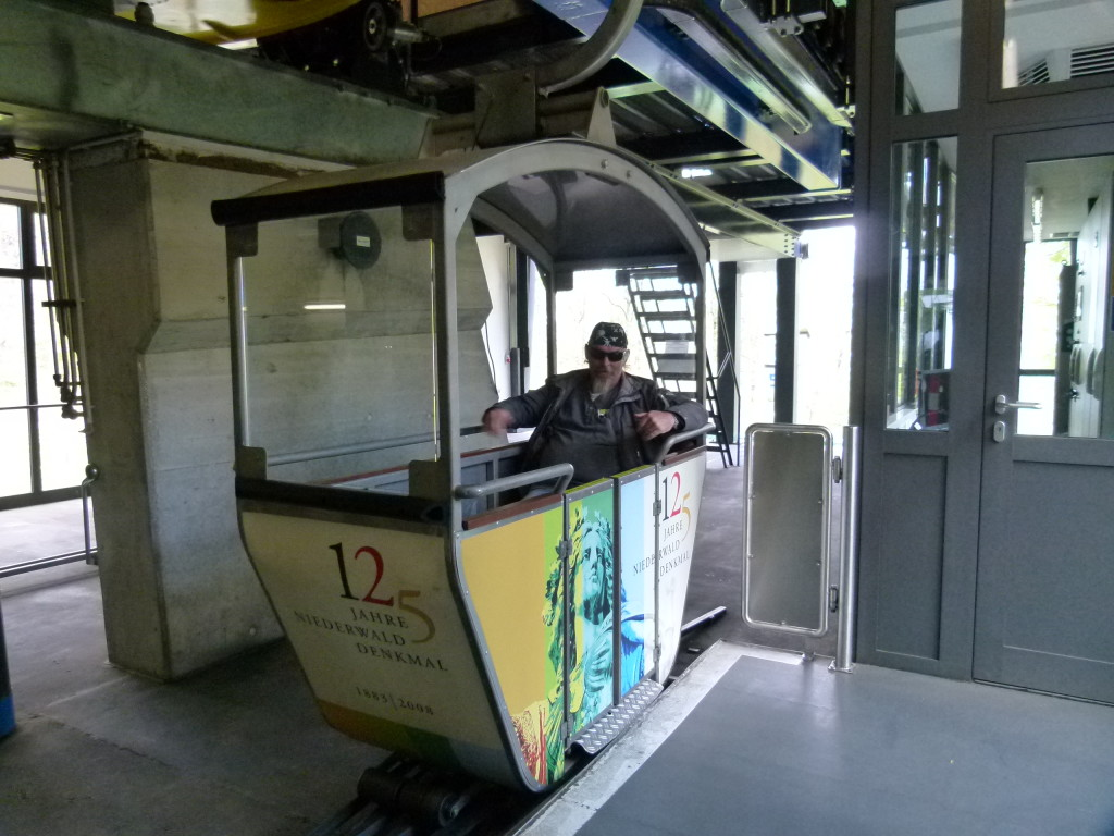 Ewout on the Cable car, Rudesheim on Rhein