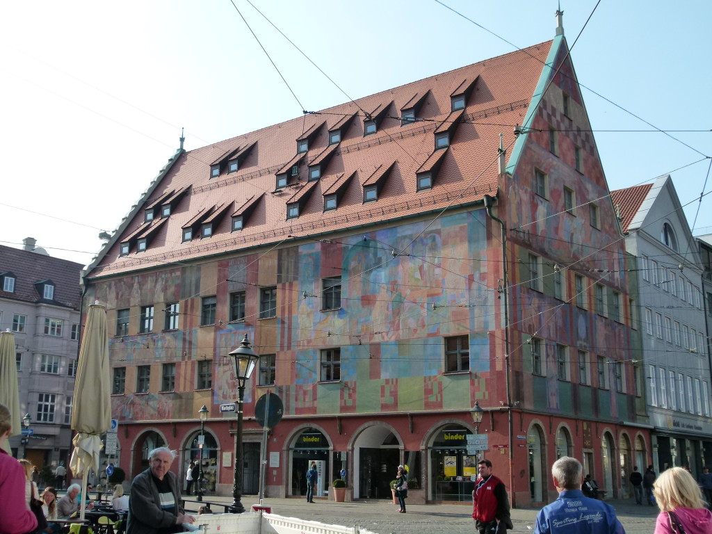 Interesting paintwork on building in Augsberg