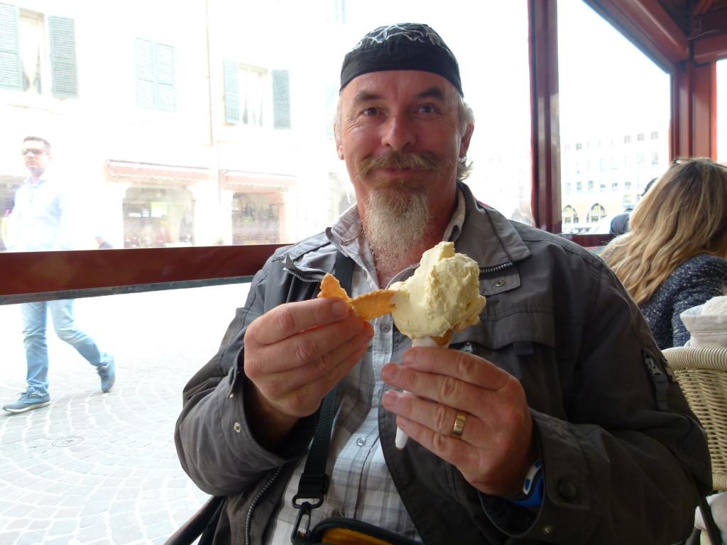 Ewout enjoying some gelato.