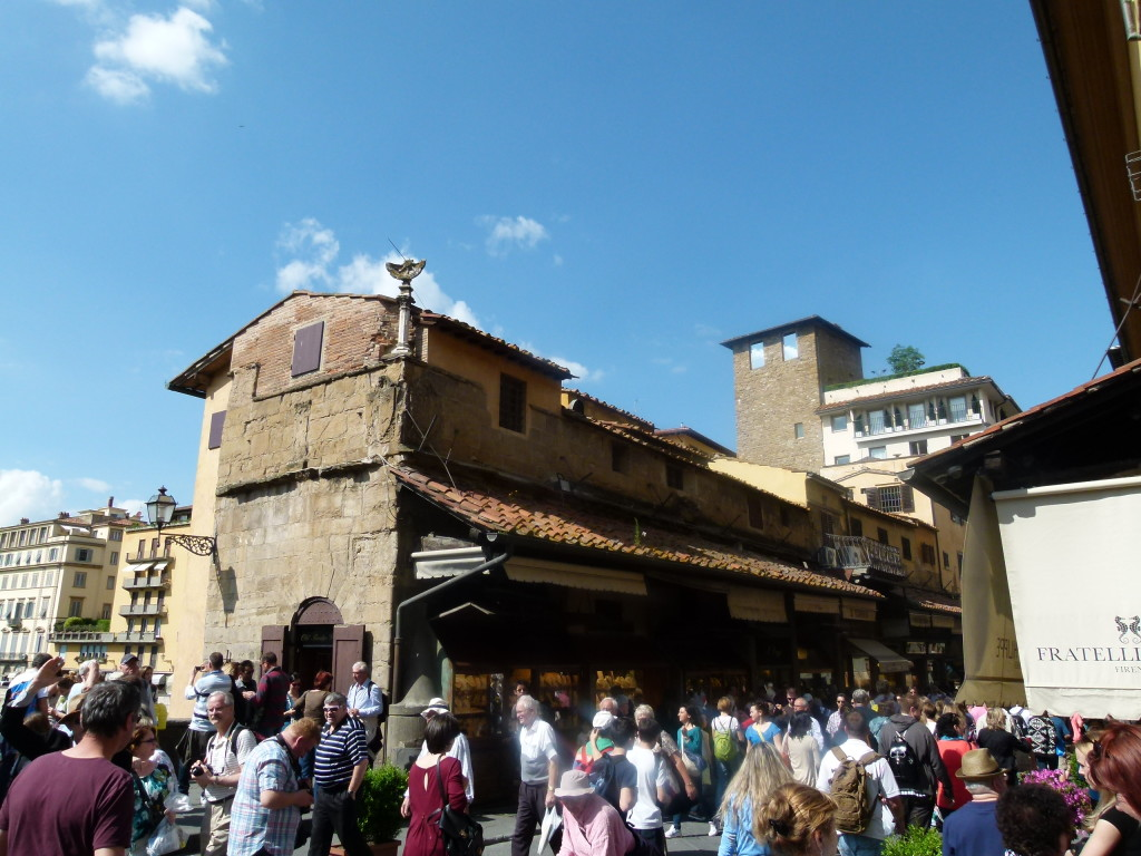 Ponte Vecchio, crowded with tourists