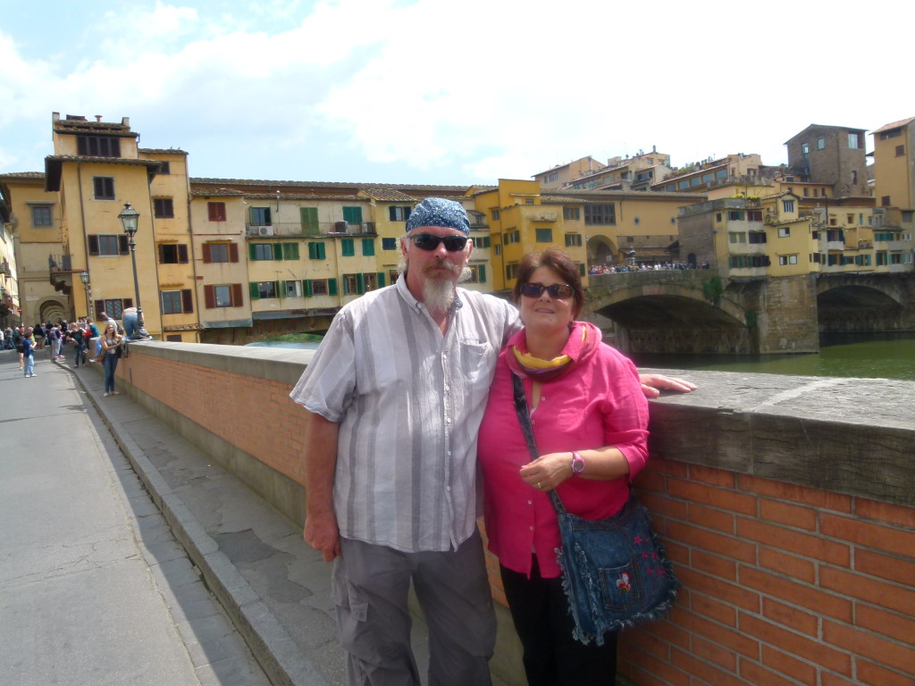 Jenny and Ewout with the Ponte Vecchio