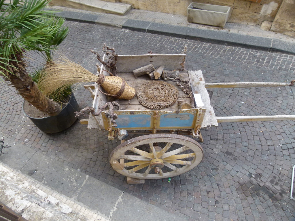 A carriage in one of the streets. A symbol of Sicily.