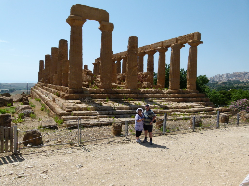 Here we are at the valley of the temple's in Agrigento.