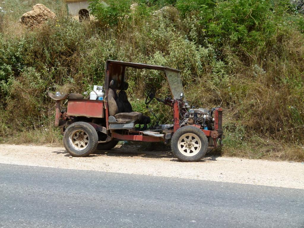 Looks like a home made buggy.