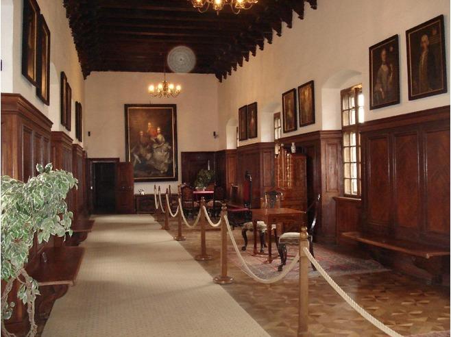 Inside_the_Castle_Bojnice