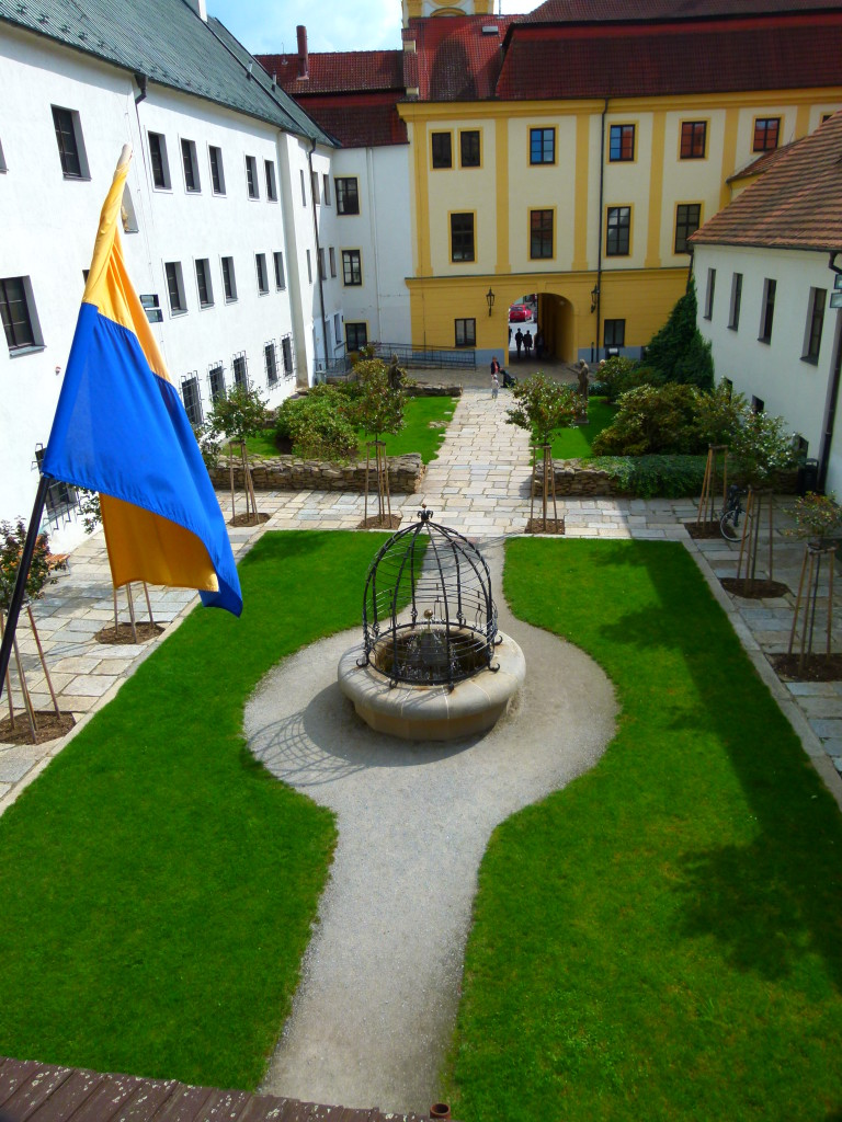 View of the courtyard from the 2nd floor.