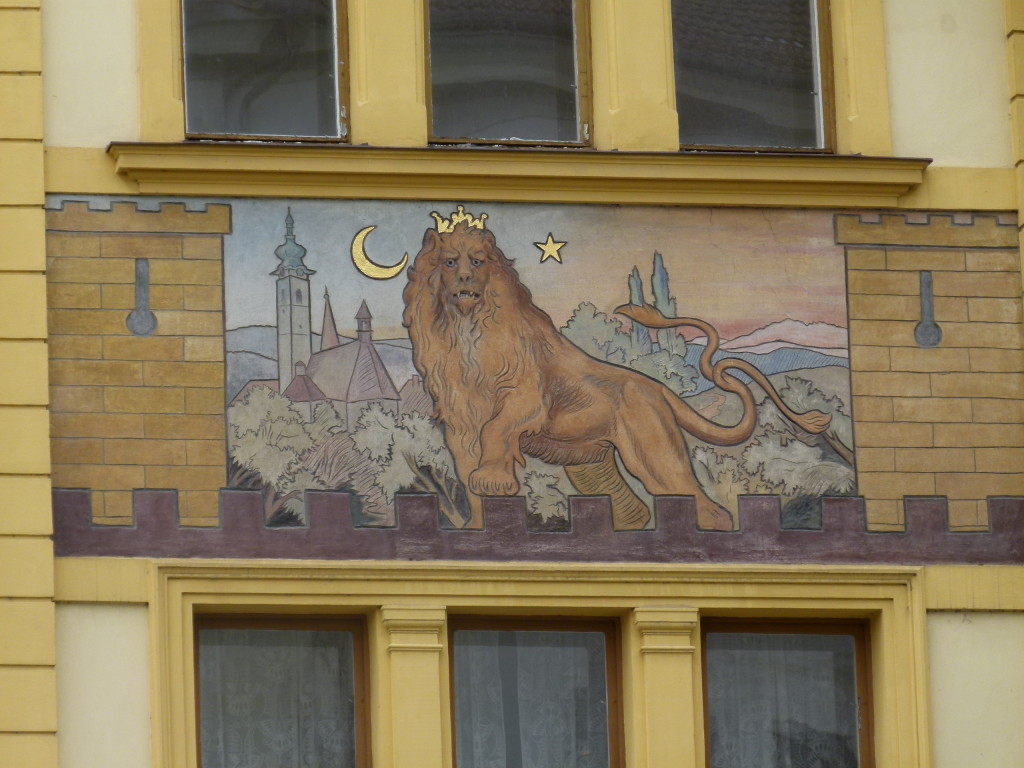 On the side of the Hotel Dvoracek were 11 painting on the facade. We thought this one of the best.