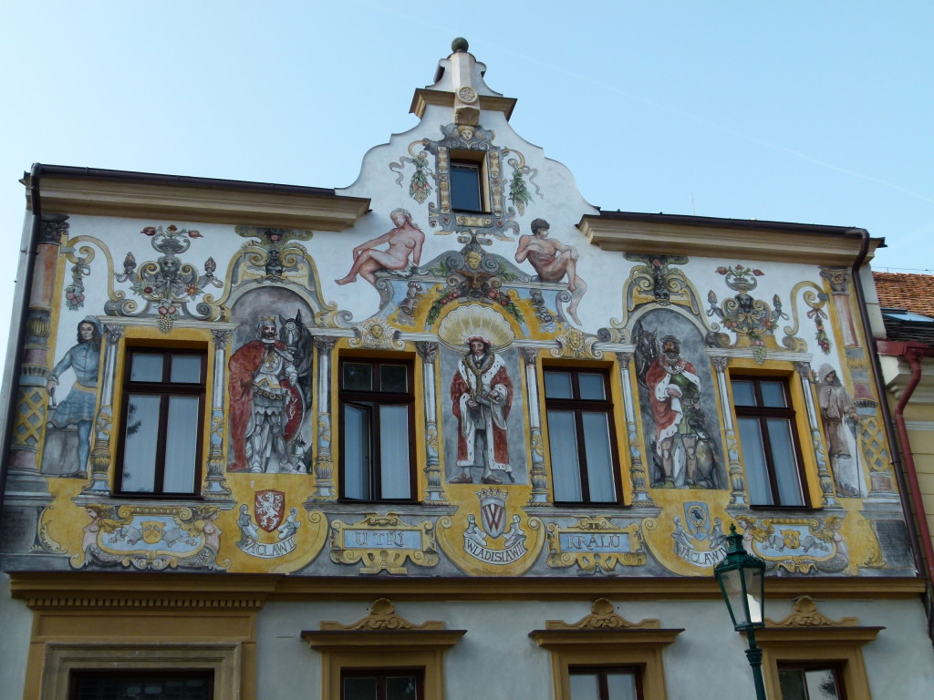A decorated building we saw as we wandered through the town.