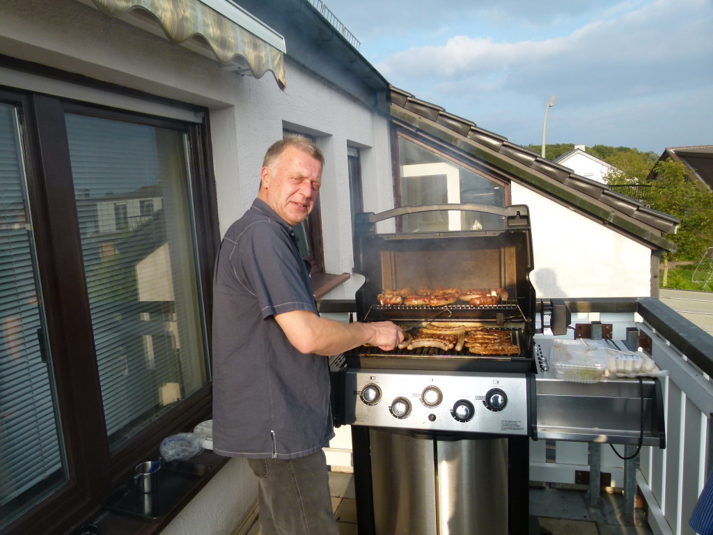 Manfred manning the bbq