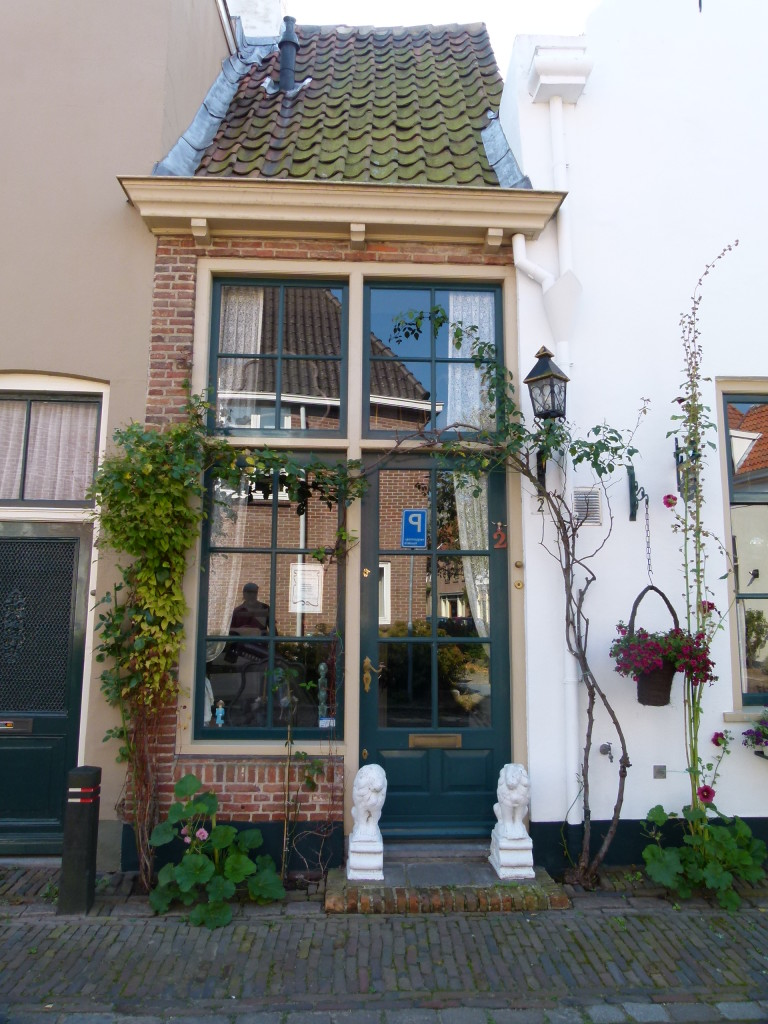 very narrow old house zutphen