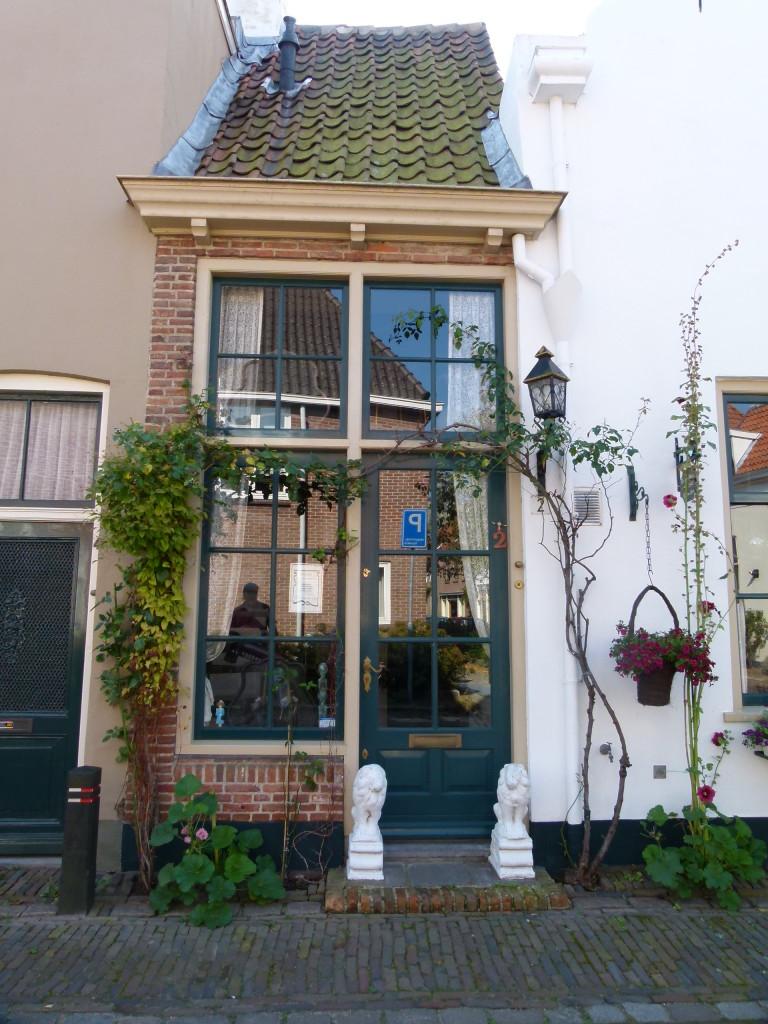 very narrow old house zutphen