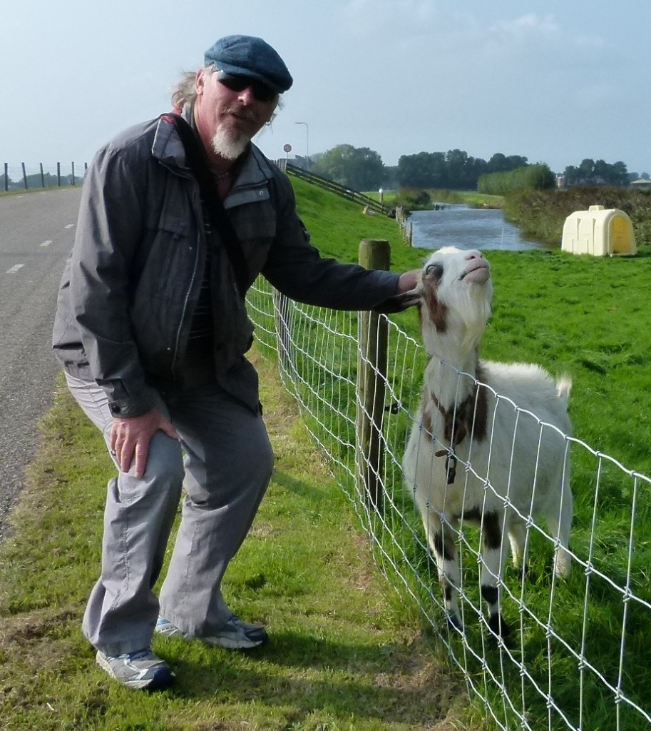 Ewout comparing goaties with the goat.