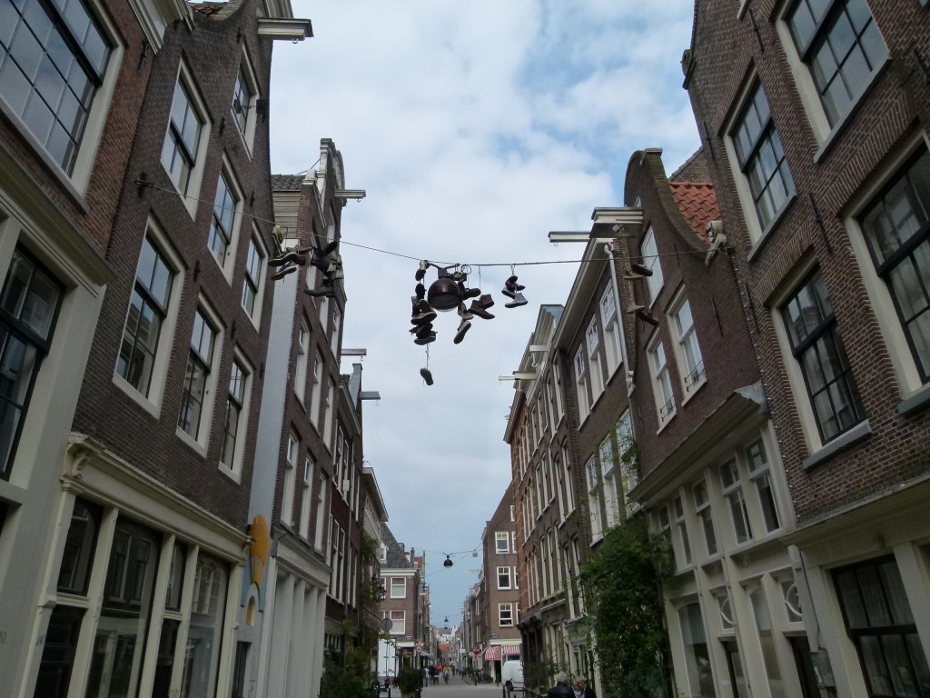 Shoes on the cables, Jordaan, Amsterdam