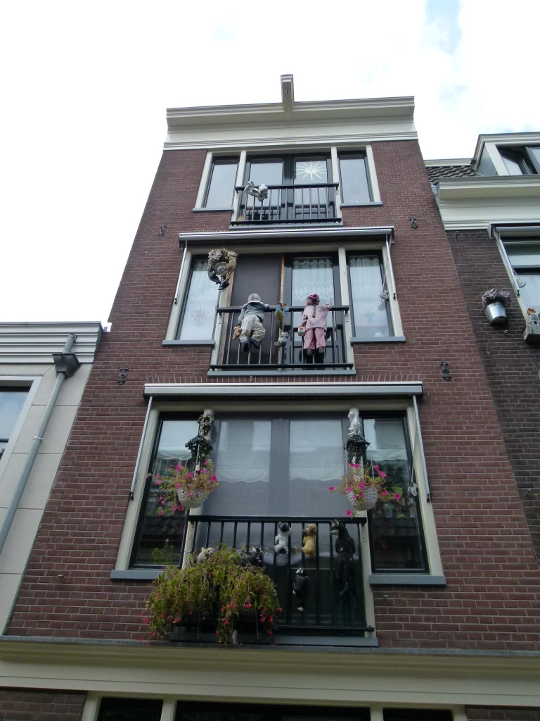 Residence in the Jordaan with some interesting window displays