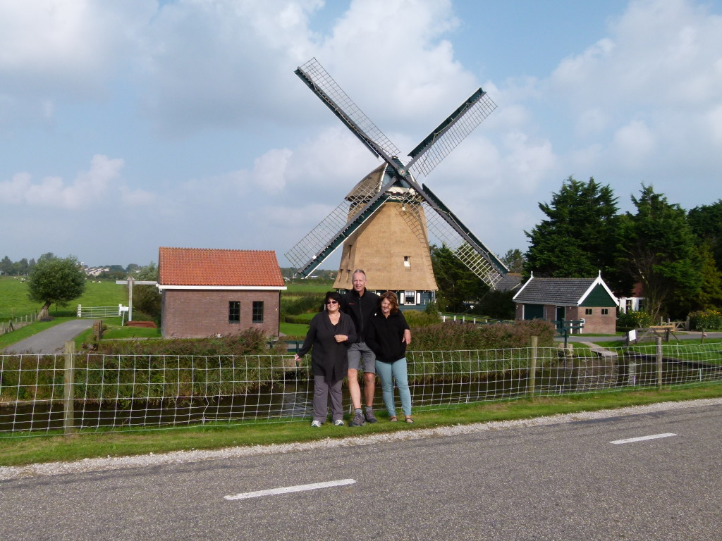 A typical dutch photo. Here is Jenny with Gaby and Renko just outside of the village of Winkel.