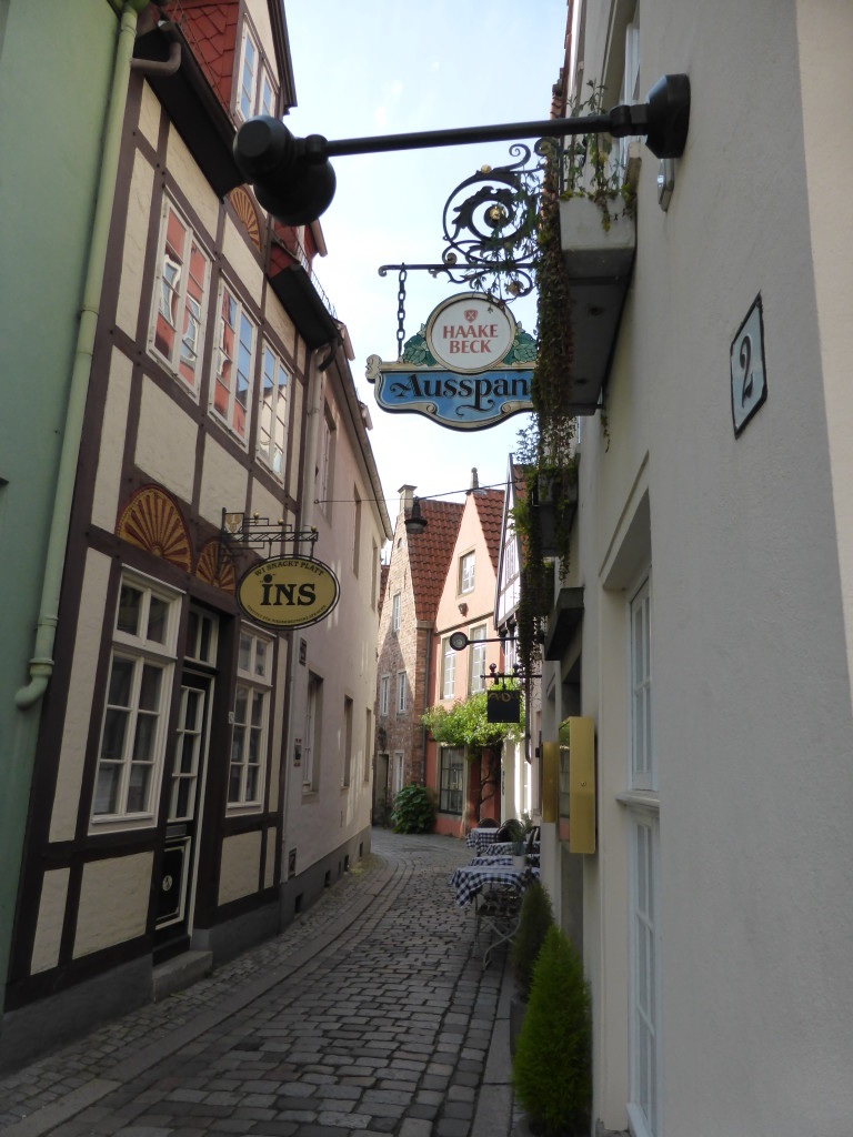 This part of town was called the Schnoor and it was nice to explore the small streets with no cars and traffic.