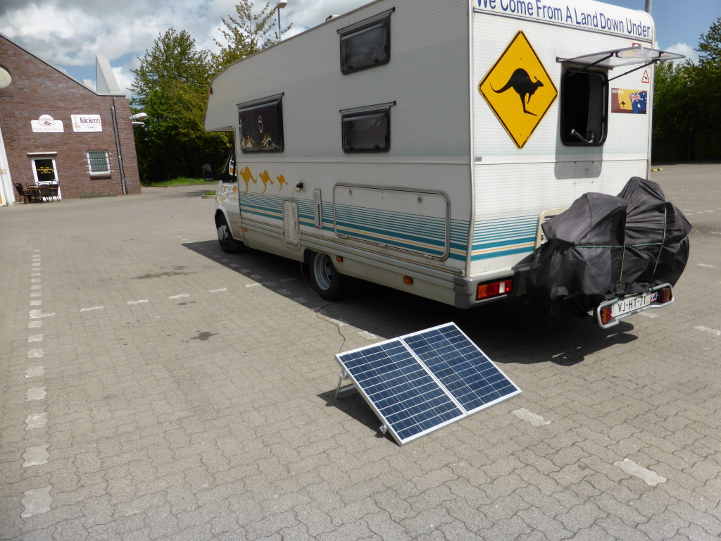 On our drive to Greifswald we stopped for lunch and decided to test out the solar panels.