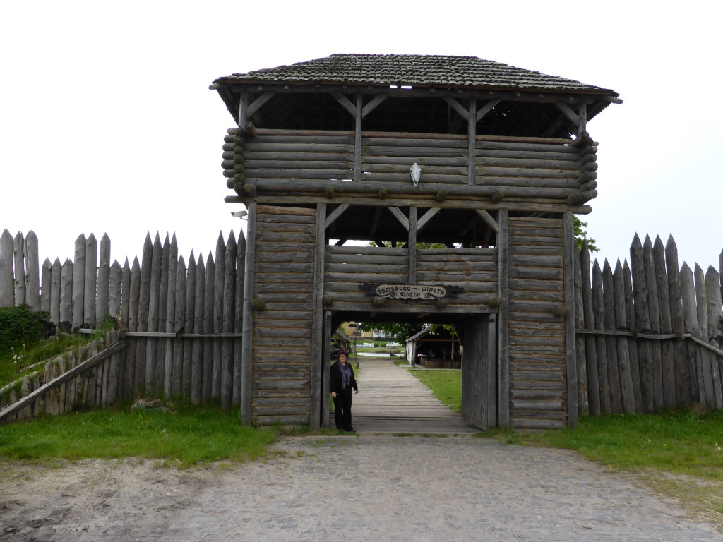 The gates to the Viking village, Jenny is eager to take a look around.