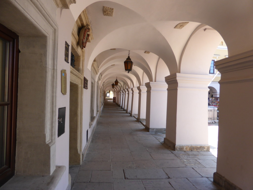 Colonnades were a feature of the buildings in the town square, they were based on Italian designs.
