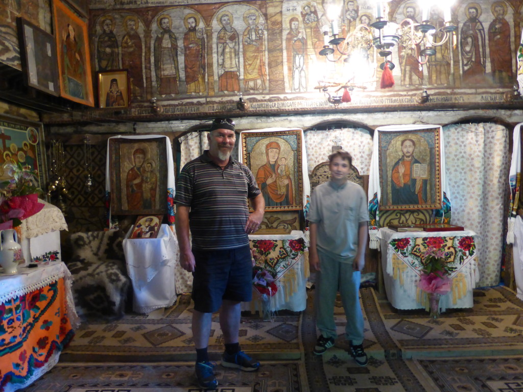 Ewout with Alex our guide. He spoke very good English and explained the history and what the paintings depicted.