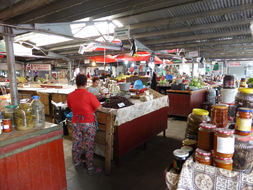 In side the market at Humurului.