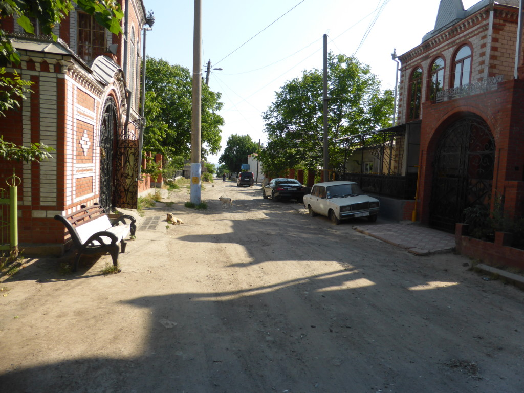 Although some of the houses were grand the streets were only dirt and looked a bit shabby.
