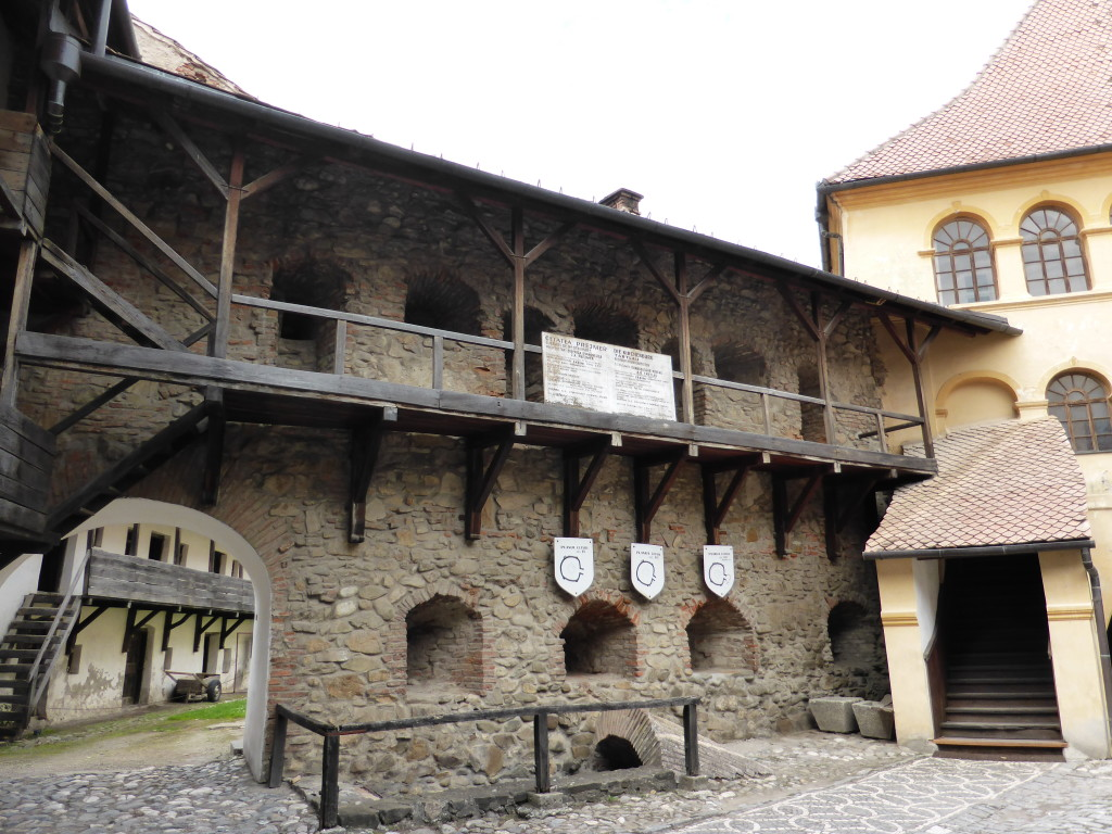 The courtyard at the entrance to the fortified church.