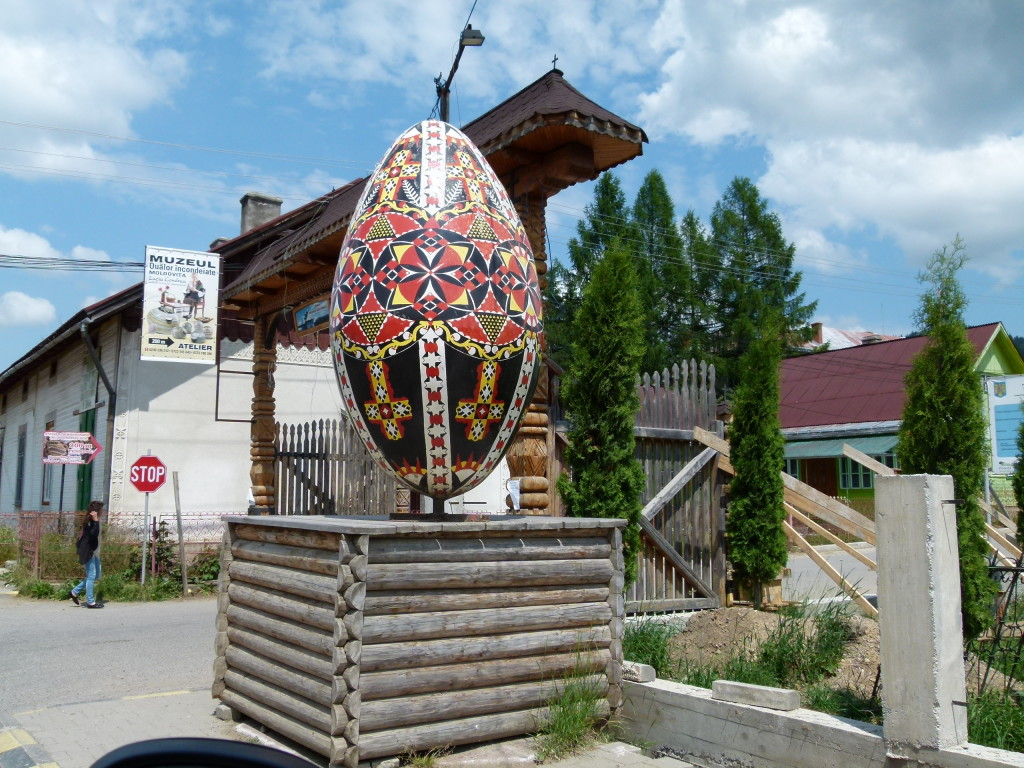 The turn off to the egg museum.