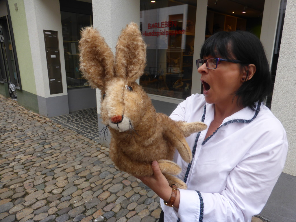 We passed by a hand puppet shop. The lady put on an impromptu show for us.