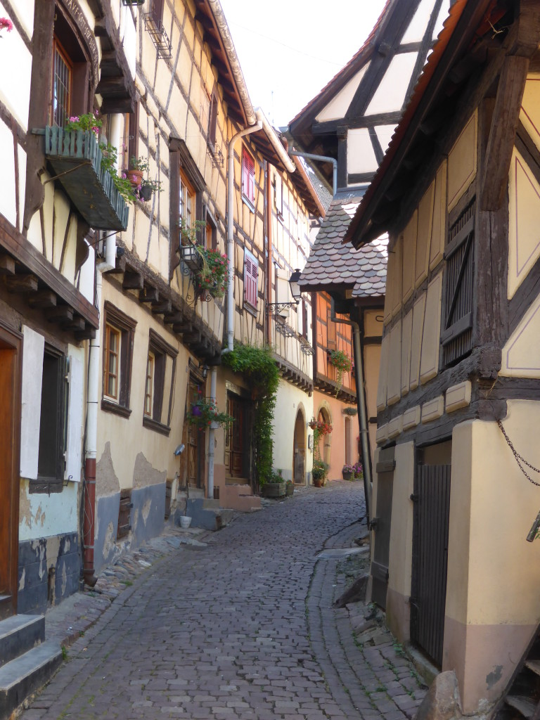 Eguisheim, waited until the street we empty of tourist before I took this photo.
