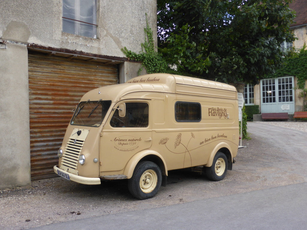A cute van in the town of Flagivny–sur-Ozerain