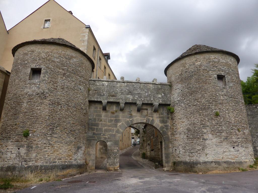 Town gate - Flagivny–sur-Ozerain